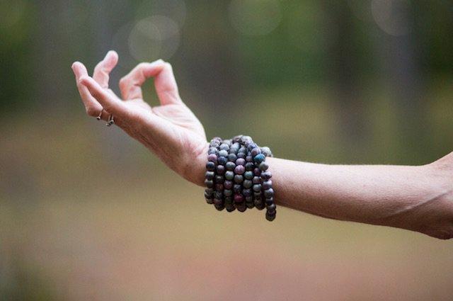 yoga-mudra-hand-malas-arm.jpg